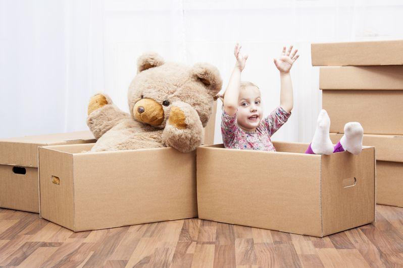 children-moving-house-boxes